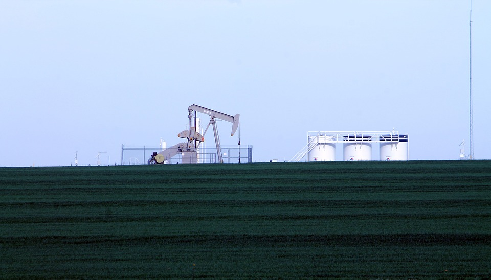 oil prices grow on trade hopes