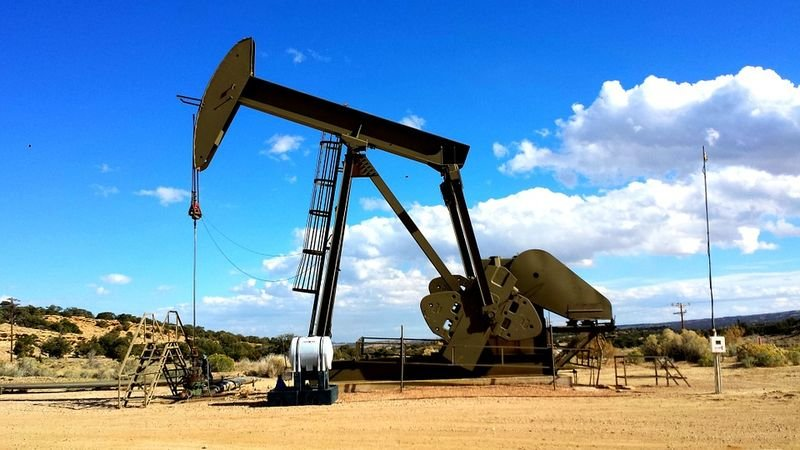 oil prices buoyed by opec meeting
